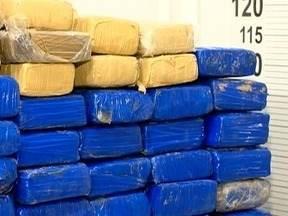 Operação apreende mais de 100 tabletes de maconha em Álvares Machado - Droga estava enterrada em uma mata às margens do Rio Santo Anastácio.