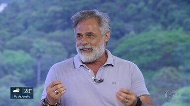 """Entrevista com Oscar Magrini - O ator está no elenco da peça """"Cama de Gato. Histórias de Cama do Gatão de Meia Idade"""", no Teatro dos Quatro, no Shopping da Gávea."""