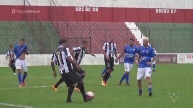 Estádio Ulrico Mursa recebe jogo festivo - Craques de várias gerações do Santos participaram da partida.