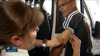 Unidade de saúde da Zona Sul monta posto itinerante de vacinação contra febre amarela - É preciso levar a identidade, a carteira de vacinação e o cartão do SUS.