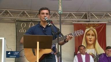 Devoto que repassa mensagens de Nossa Senhora participa de evento no Recife - Pedro Siqueira esteve em igreja no Centro da cidade
