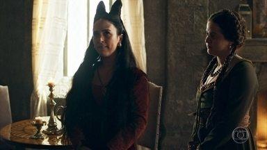 Latrine sugere que Lucrécia se torne amiga de Catarina - Assim será mais fácil evitar que Rodolfo se aproxime da princesa