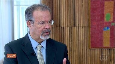 Raul Jungmann toma posse como ministro da Segurança Pública em Brasília (DF) - Atual ministro da Defesa, vai conduzir a integração e coordenação de todo o sistema de segurança do país.