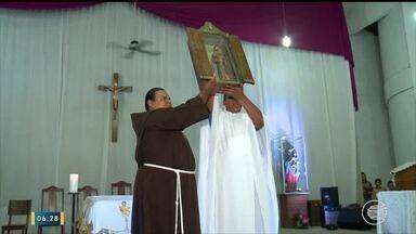 Reliquias de São Francisco de Assis chegam a Teresina e emocionam fiéis - Reliquias de São Francisco de Assis chegam a Teresina e emocionam fiéis