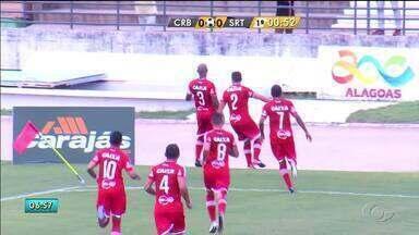 Após gol da vitória, Neto Baiano faz homenagem ao radialista Rodrigo Veridiano - Gesto chamou a atenção do público.