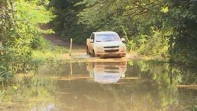 Cheia de rio deixa alunos da área rural de Porto Velho sem aulas - A Defesa Civil proibiu o acesso de pessoas por lugares inundados.
