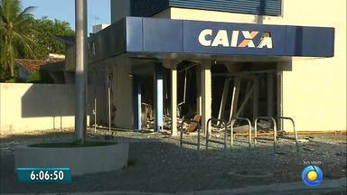 Criminosos explodem agência bancária em João Pessoa; ataque é o 17º deste ano - Bandidos atacaram a agência da Caixa no bairro de Jaguaribe.