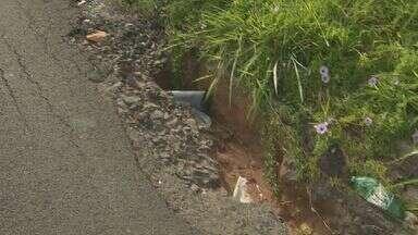 Moradores de Rio Claro, SP, reclamam de excesso de buracos no Jardim Paineiras e Panorama - Situação fica ainda pior em épocas de chuva.