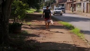 Redação Móvel mostra a situação das calçadas de Planaltina - Moradores de Planaltina dizem quem reclamam com frequência da situação das calçadas com a Terracap.