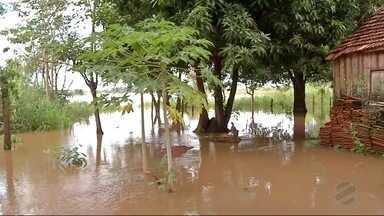 Cheia do Rio Dourados causa transtornos em Fátima do Sul - Duas famílias foram desalojadas e balneário interditado.