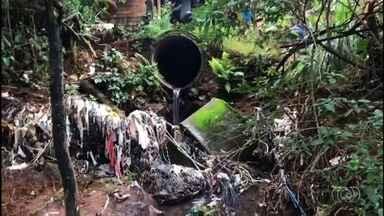 Casas no Setor Santa Rita ficam alagadas durante chuvas em Goiânia - Com o período chuvoso, medo dos moradores de perderem os móveis e eletrodomésticos aumenta.