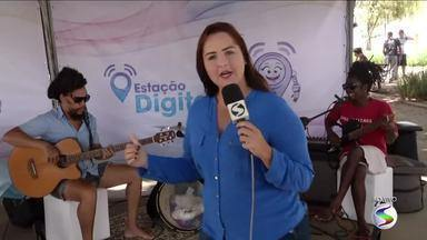 'Estação Digital' chega a Paraty, RJ, para tirar dúvidas sobre o fim do sinal analógico - Técnicos da TV Rio Sul estiveram nesta quarta-feira (28), na Praça da Matriz.