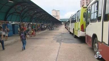 Motoristas de ônibus fazem paralisação na Avenida Constantino Nery, em Manaus - Paralisação iniciou na manhã desta quarta-feira (28).