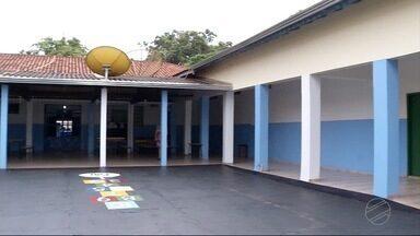 Falta de professores é um dos problemas nas escolas municipais de Dourados, MS - O ano letivo começou há 14 dias.