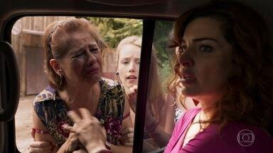 Leandra afirma que é inocente, mas Bruno a detém - Caetana pede para Maíra ligar para Clara