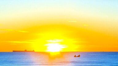 Recifes artificiais ajudam a preservar vida marinha do litoral paranaense (parte 2) - Concreto e balsas lançados ao mar ajudam a garantir preservação de espécies