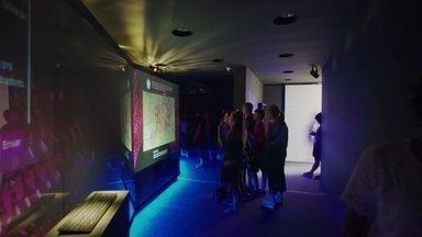 Como a Inteligência Artificial pode ajudar a melhorar o mundo? - Na estreia do quadro Expedição Digital o repórter Renato Cunha vai explorar a Inteligência Artificial em exposições no Museu do Amanhã, no Rio de Janeiro.
