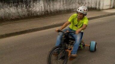 Conheça o drift trike motorizado, uma brincadeira de gente grande - Inspirado naquelas motocas de criança, o esporte tem atraído muita gente saudosista