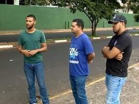 Estudantes enfrentam problemas com o Programa Universidade para Todos - Dinheiro da bolsa de permanência não foi liberado em fevereiro.