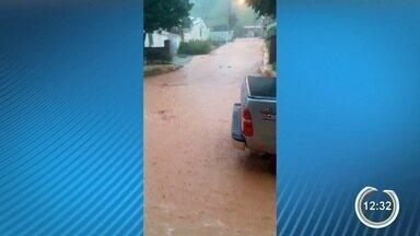 Chuva causa alagamentos em Bananal, Arapeí e Guará - Ruas ficaram inundadas.