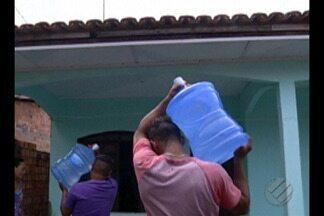 Moradores afetados pelo vazamento da Hydro reclamam da quantidade de água distribuída - Comunidades de Barcarena dizem que a quantidade é insuficiente.