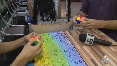 Competição de cubo mágico é realizada em Manaus - Evento ocorre na zona Centro-sul da capital.