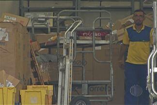 Déficit de funcionários provoca demora em entregas dos Correios do Alto Tietê - Carteiros da região são deslocados para outras unidades.