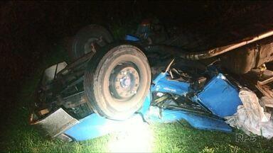 Um caminheiro morre na BR-277 em Prudentópolis - Ele estava em um caminhão carregado com sucatas.
