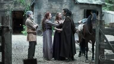 Afonso se despede de Amália e parte para Montemor - Ele diz a Amália que ficará pouco tempo em Montemor