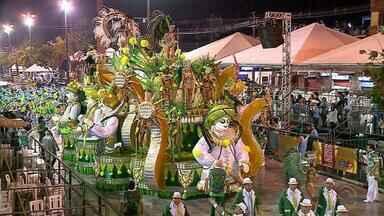 Carnaval fora de época de Uruguaiana gera 800 empregos temporários - São três dias de desfiles.
