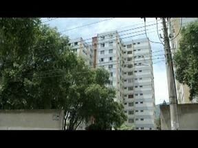 Princípio de incêndio em prédio do bairro São Pedro assusta moradores - Segundo os Bombeiros, o incidente foi provocado por um curto circuito na campainha de um apartamento.