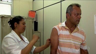 Homens fogem da vacina contra a febre amarela por medo da agulha - 81% das pessoas que contraíram a doença em São Paulo são homens. E eles representam 87% dos mortos por febre amarela no Estado.