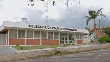 Polícia Civil investiga suposto estupro de menino por grupo em Tatuí - A Polícia Civil de Tatuí (SP) investiga um suposto estupro de um menino de 7 anos dentro de uma casa vazia no bairro Nova Tatuí, no fim de semana. A criança teria sido assediada por outros quatro menores, entre eles, dois irmãos da vítima.