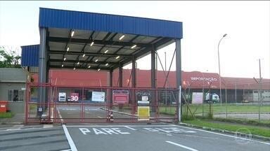 Homens armados invadem e roubam milhões de dólares no Aeroporto de Viracopos, em Campinas - Homens armados invadem e roubam milhões de dólares no Aeroporto de Viracopos, em Campinas.