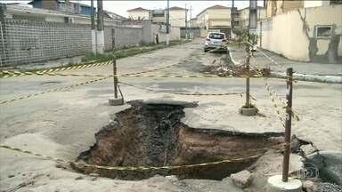 Um terremoto provoca rachaduras em casas e ruas de Maceió no fim de semana - O terremoto foi no sábado à tarde. Ontem, o observatório da UNB confirmou que ele teve magnitude de 2,5 pontos na escala Richter