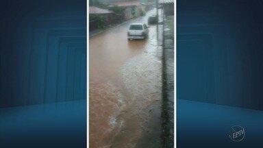 Chuva forte causa estragos em bairros de Carmo da Cachoeira e Três Pontas - Chuva forte causa estragos em bairros de Carmo da Cachoeira e Três Pontas