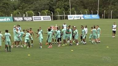 Já classificado, Goiás chega sem muita pressão para o clássico - Alviverde encara o Atlético-GO no domingo com vaga já garantida