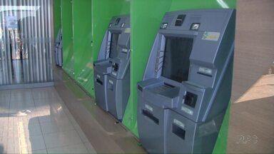 Bandidos roubam mais um banco em Londrina, desta vez na zona Norte da cidade - Foi a segunda ocorrência só nesta semana, os bandidos invadiram a agência na Av. Saul Elkind por volta das 9:00 desta sexta-feira (09).