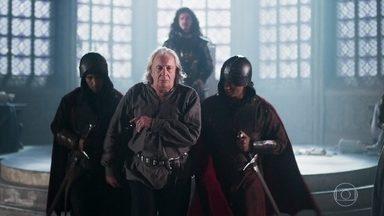 Augusto é levado para a torre de Zéria - Rodolfo avisa que Catarina decidiu poupar a vida do pai e sentencia Augusto à prisão perpétua