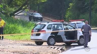 Homem é encontrado morto dentro de casa com pés e mãos amarrados - Um homem de 50 anos foi encontrado morto dentro de uma casa da rua Oswaldo Aranha, no bairro Boa Vista, em São José do Rio Preto (SP), no final da manhã desta sexta-feira (9).