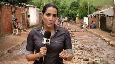 Morro do Coco em Campos, RJ, é a área mais atingida por conta da chuva - Pelo menos 18 famílias foram orientadas pela defesa civil a deixarem as suas casas.