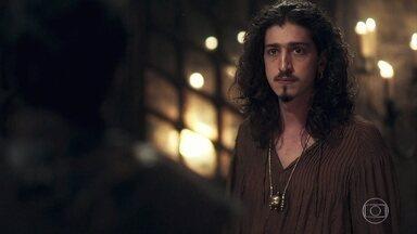 Rodolfo afirma a Cássio que ordenará a libertação de Afonso - Cássio avisa a Rodolfo que, se ele agir contra a lei, colocará em risco a soberania de Montemor