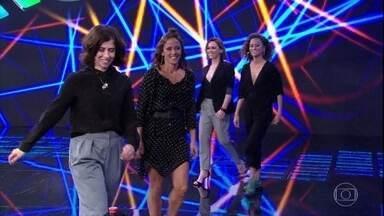 Faustão apresenta as convidadas do 'Ding Donge' de hoje - Guta Stresser, Fernanda Freitas, Fernanda Torres e Alice Milagres participam da disputa