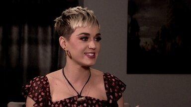 'Me sinto o Justin Bieber quando vou ao Brasil', diz Katy Perry em entrevista - Turnê Witness vai passar por Porto Alegre, São Paulo e pelo Rio de Janeiro. Antes dos shows, a cantora recebeu o Fantástico, em Los Angeles.