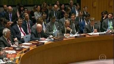 Reino Unido decide expulsar 23 diplomatas russos - A discussão sobre o empenamento do ex-espião chegou ao conselho de segurança da ONU. A reunião nas nações unidas foi repleta de troca de acusações. Os russos não aceitam serem apontados como autores do atentado com arma química na Inglaterra.
