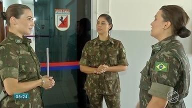Mulheres têm assumido postos iguais aos dos homens no Exército em Dourados - No Exército, em Dourados, as mulheres têm assumido postos de igual para igual com os homens.