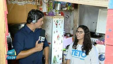 Generosidade: estudante fala da relação dos projetos sociais com o mercado de trabalho - A estudante Amanda Quaresma trabalha com um projeto social que constrói casas para pessoas carentes.