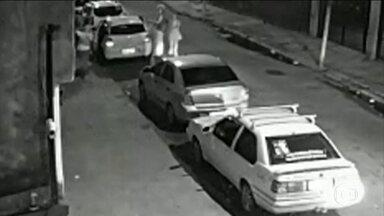 Imagens de câmeras de segurança podem dar pistas de assassinos de Marielle Franco - A polícia do Rio de Janeiro analisa as imagens de segurança de vários estabelecimentos que podem dar pistas sobre os assassinos da vereadora Marielle Franco e do motorista Anderson Gomes.