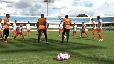 Anapolina pode ter um desfalque no jogo decisivo contra o Atlético-GO - Atacante Jacó, um dos artilheiros da equipe, pode ser vetado. Rubra precisa da vitória para se classificar para a próxima fase.