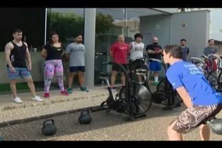 Em Ituiutaba, é cada vez mais comum encontrar pessoas fazendo exercícios físicos - Academias e educadores físicos oferecem aulas gratuitas para quem quer ter uma vida saudável.